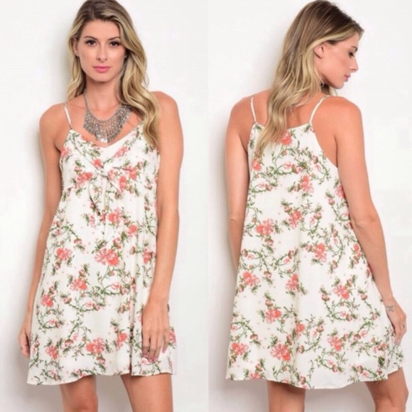 Dresses & Skirts - Ivory Floral Boho Dress